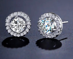 Classic Round Diamond Stud Earrings.