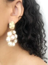 Load image into Gallery viewer, Antique White and Pink Baroque Pearl Drop Earrings.