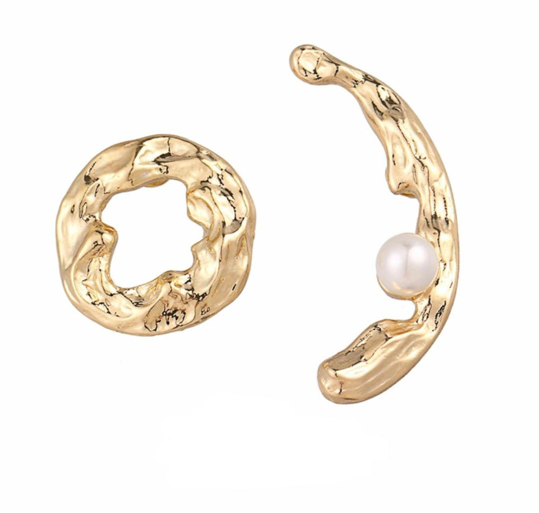 Moon and Sun Geometric Stud Pearl Earrings.