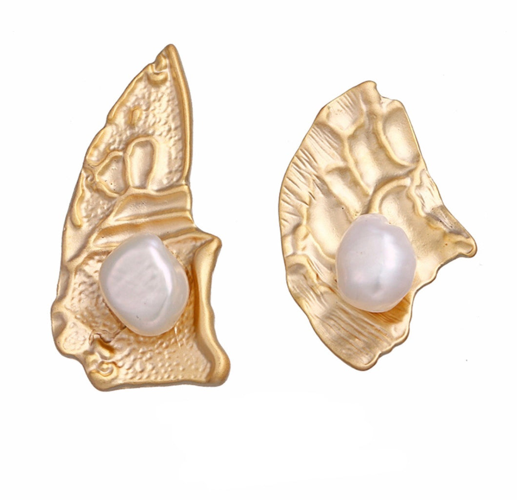 South Sea Art Deco Freshwater Pearl Earrings.