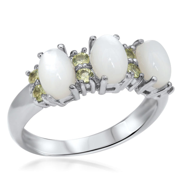 925 Silver Ring with White Mother of Pearl