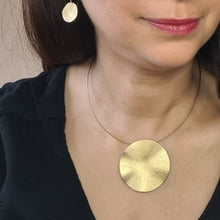 Load image into Gallery viewer, Gold Round Necklace