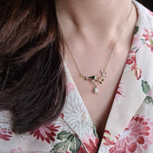Load image into Gallery viewer, Bird and flower Necklace