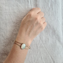 Load image into Gallery viewer, Delightful White Stone Bracelet