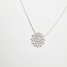 Load image into Gallery viewer, Silver Dentelle Necklace