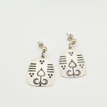 Load image into Gallery viewer, Charming Persian motifs Silver Earrings