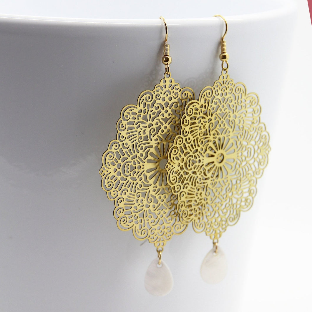 Ishtar White drop Earrings - Yalda Concept Store Persan