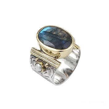 Oriental Chic Silver Ring with Labradorite - Yalda Concept Store Persan