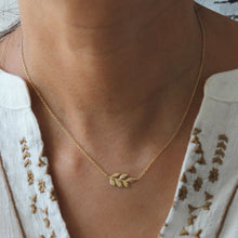 Load image into Gallery viewer, Raha Leaf Necklace - Yalda Concept Store Persan