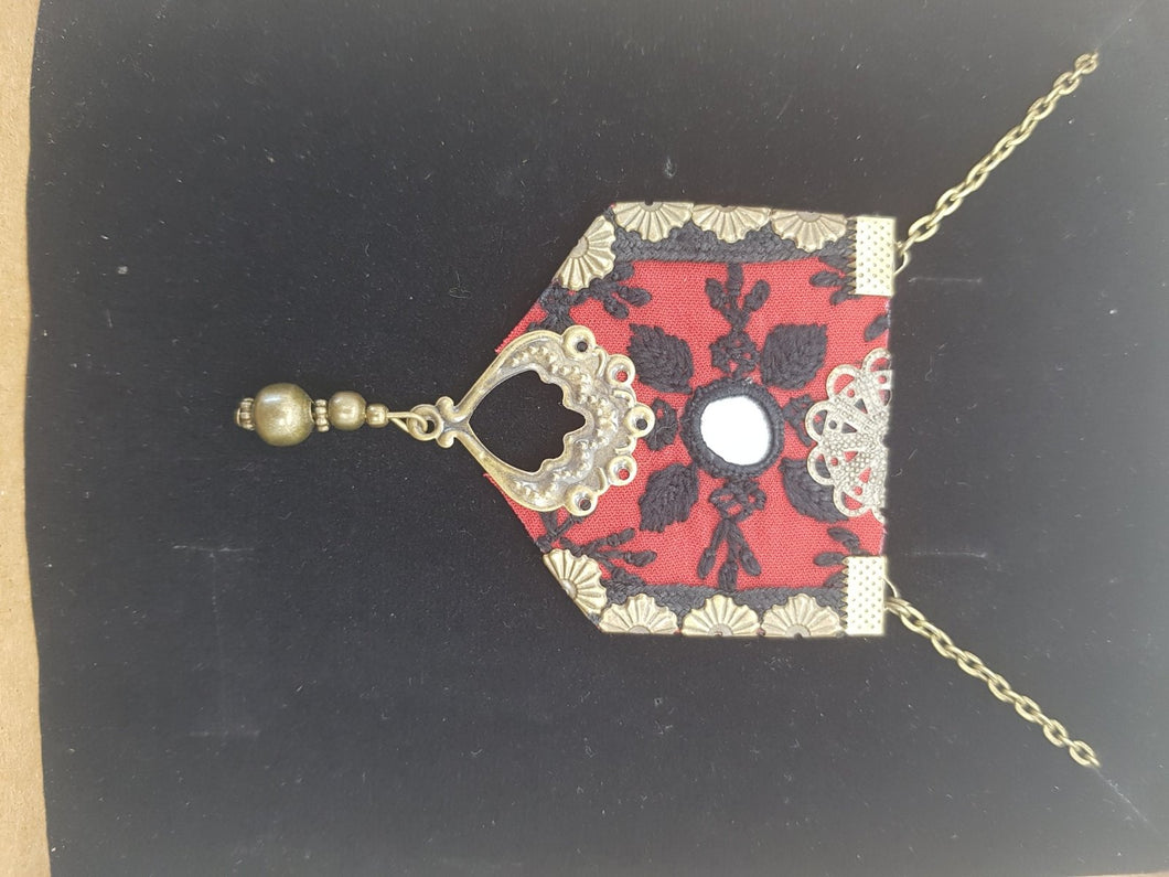 Red Mim Necklace - Yalda Concept Store Persan
