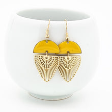 Load image into Gallery viewer, Saffron Earrings