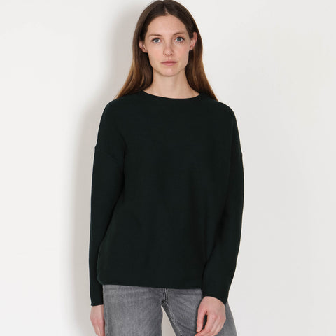 Catalinaa Jumper deep lake