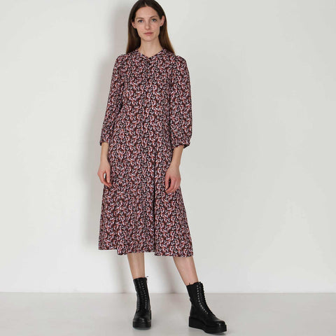 Karola Raye 3/4 Dress AOP black lavender