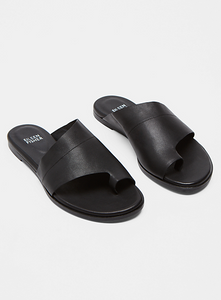 Toe Ring Flat Slip On