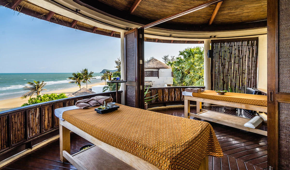 Aleenta Hua Hin Resort & Spa, Pranburi - Ayurah Spa with two massage tables overlooking ocean
