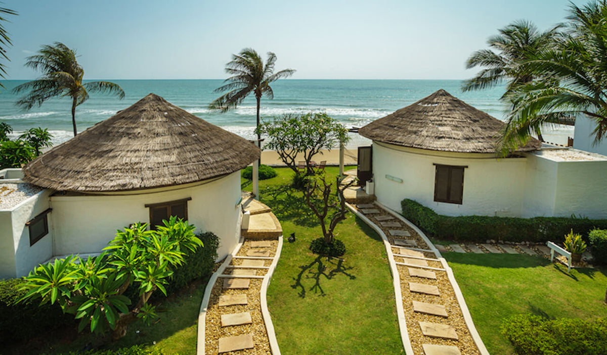 Aleenta Hua Hin Resort & Spa, Pranburi - pathways leading to beachfront villas and beach access