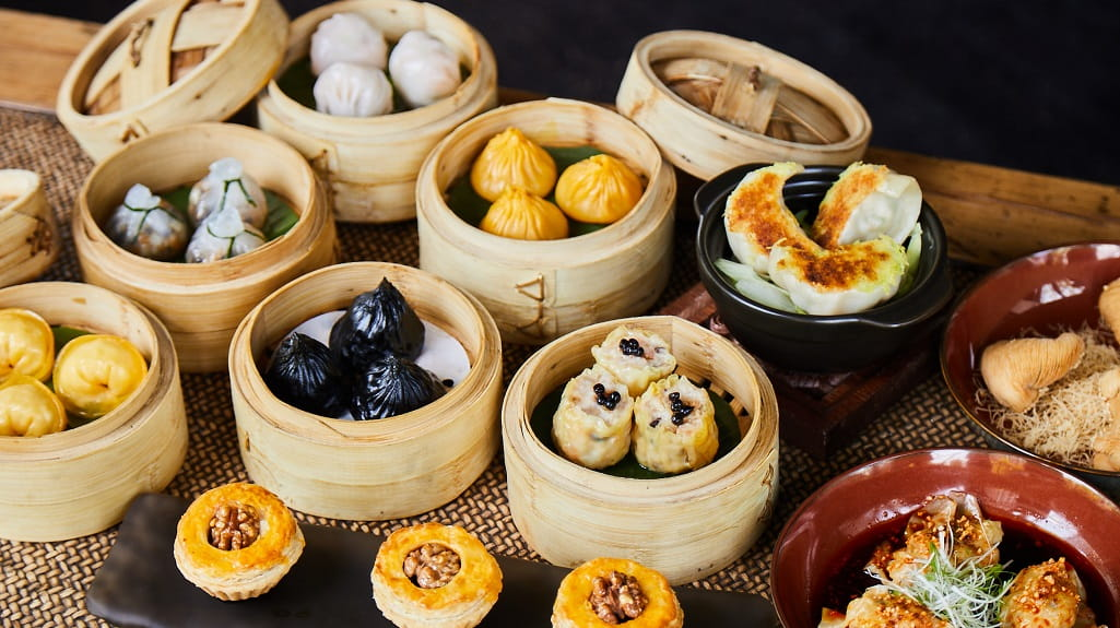 The Middle House, Shanghai - dim sum dumpling offerings from Sui Tang Li restaurant in bamboo steamer baskets