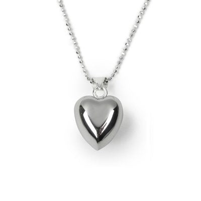 Silver plated necklace with heart shped subbtle chime