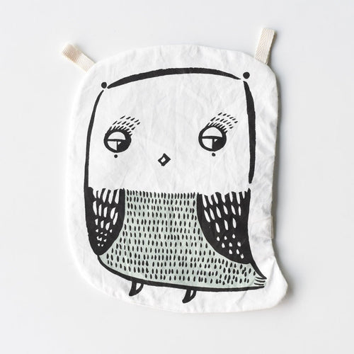 organic crinkle toy owl design