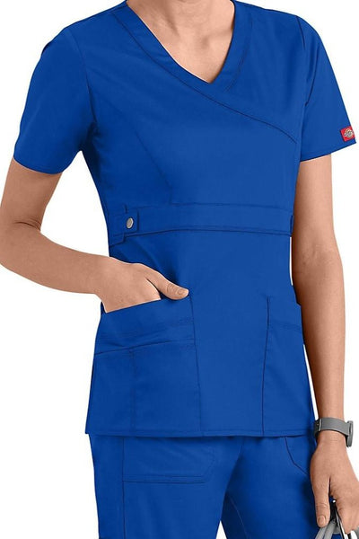 Dickies Scrub Top Gen Flex Mock Wrap 817355 Black at Parker's Clothing and Shoes.