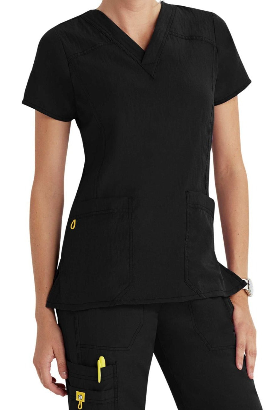 WonderWink Scrub Top Four-Stretch Sporty V-Neck in Black at Parker's Clothing and Shoes