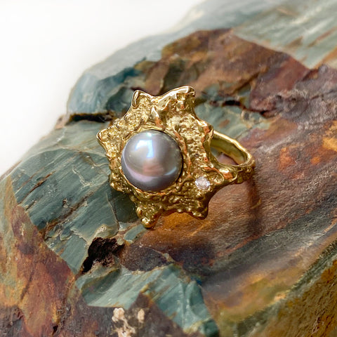 18k gold textured ring set with a gorgeous grey Tahitian Pearl by Jane Bartel Jewelry