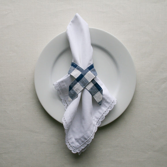 WHITE COTTON NAPKIN & GINGHAM NAPKIN RING