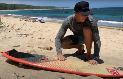 Cleaning your surfboard with Evan Netsch