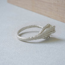 Load image into Gallery viewer, Traces ring. Twig ring in sterling silver.