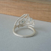 Load image into Gallery viewer, Cedar leaf ring with london blue topaz