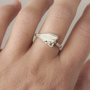 Traces ring. Twig ring in sterling silver.