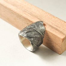 Load image into Gallery viewer, Black Leaf ring in oxidized silver.