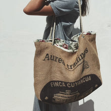 Load image into Gallery viewer, UPCYCLED ♻️ VAICACAO BAGS · Eco-friendly choices