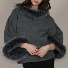 Load image into Gallery viewer, Faux Fur Poncho