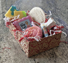 Load image into Gallery viewer, soap and bath products gift box