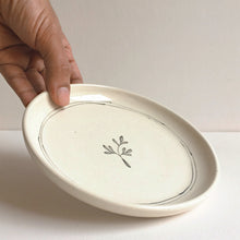 Load image into Gallery viewer, Lily Tapas Plate and Pinch Bowl set (Set of 2 )