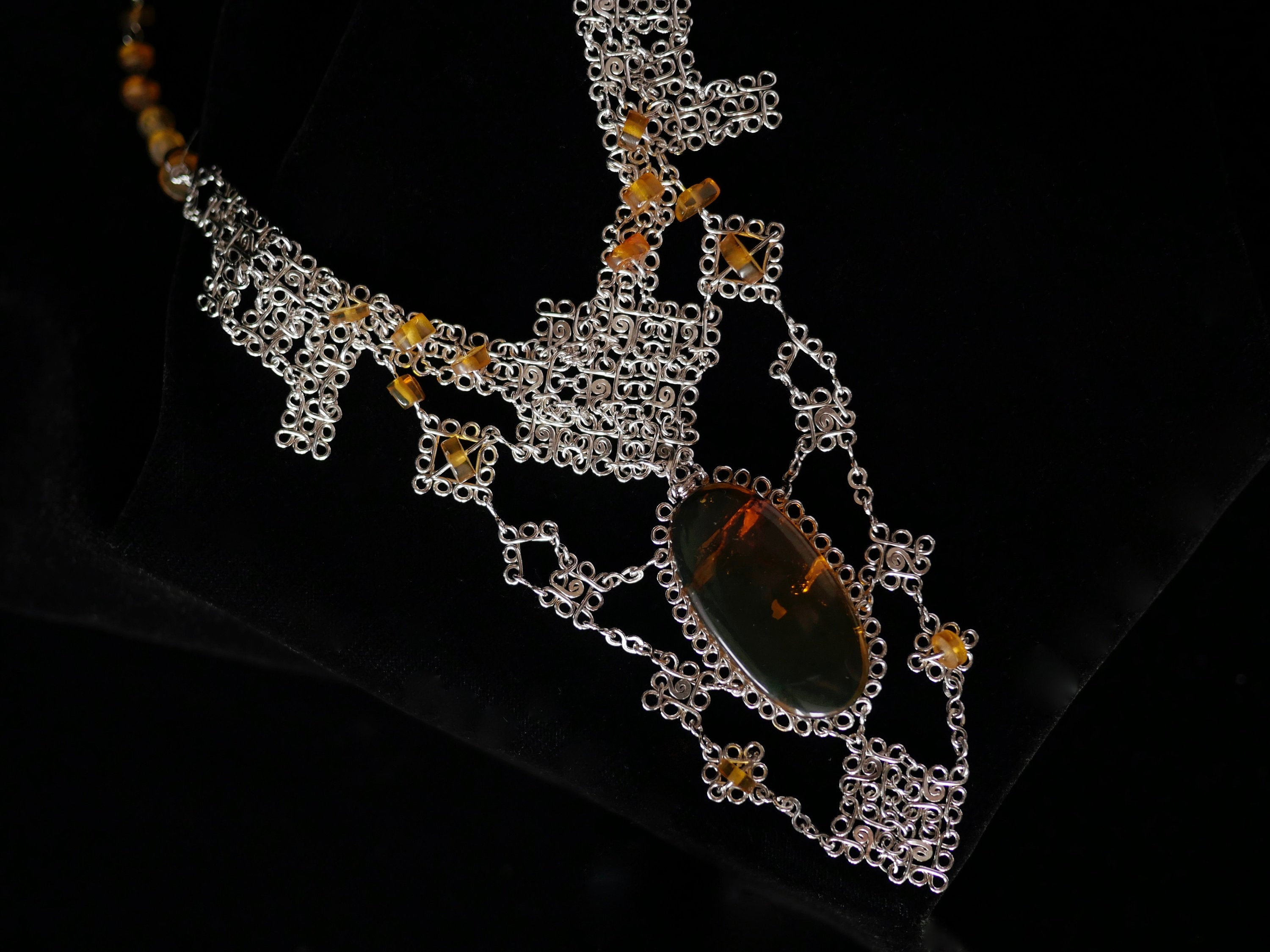Silver Amber Majestic Necklace