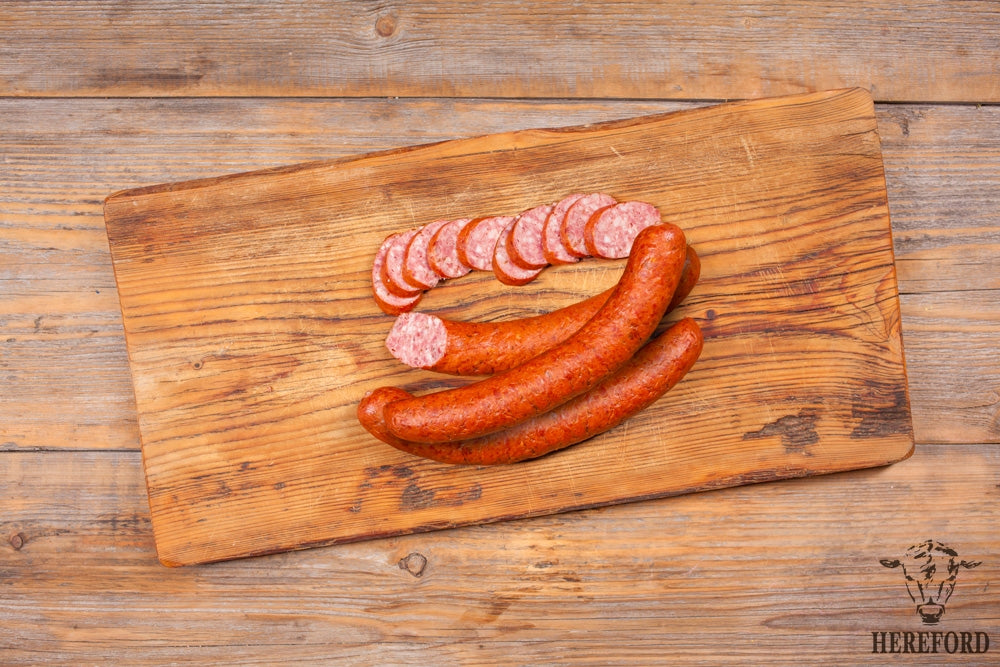 Grill sausages with paprika