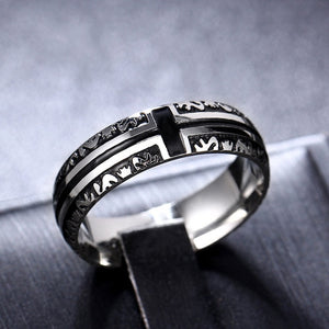 Titanium alloy ring with Dante's Inferno pattern and a cross in black (unisex) 8mm wide.