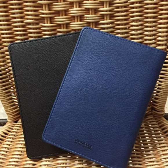 Monologue Lifestyle Passport Holder