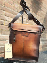Load image into Gallery viewer, Kompanero Leather Hand Bag - The Box