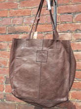 Load image into Gallery viewer, Kompanero Leather Hand Bag - Rachel