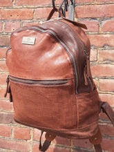 Load image into Gallery viewer, Kompanero Leather Backpack - Rex