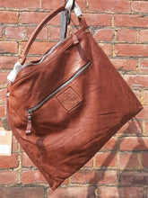 Load image into Gallery viewer, Kompanero Leather Hand Bag - Breeze (Cognac)