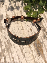 Load image into Gallery viewer, Hammered Copper Arrow Bracelet