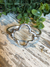 Load image into Gallery viewer, Clove Bracelet Silver