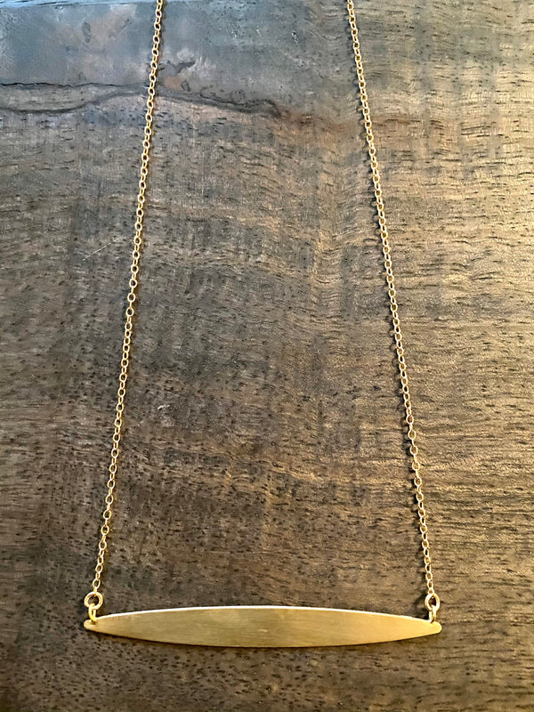 oval horizontal necklace