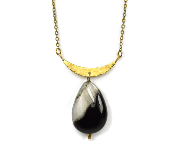 crescent onyx necklace