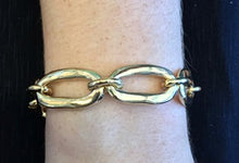 Load image into Gallery viewer, UNO DE 50 Awesome Bracelet-Gold