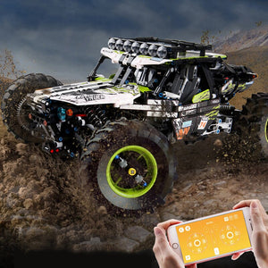 1879pcs All Terrain Remote Control Off-Road Climbing Truck with motors